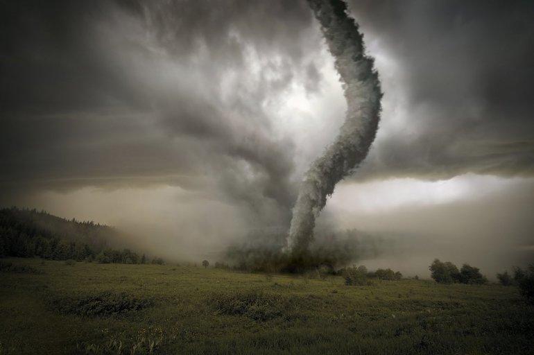 К чему снится ураган смерч с дождем thumbnail