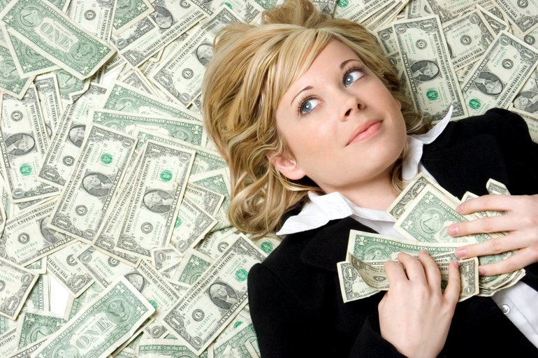 Видеть много денег