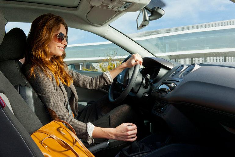 К чему снится водить машину женщинам