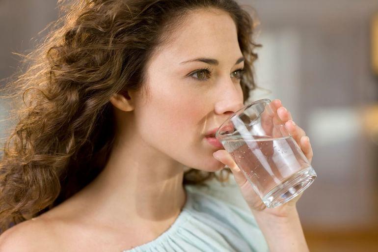 Пить воду во сне