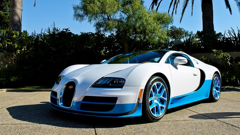Красивая, роскошная и дорогая машина