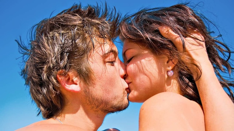 К чему снится сон поцелуй с незнакомцем thumbnail
