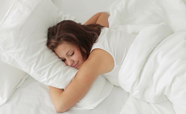 К чему снится обниматься с парнем