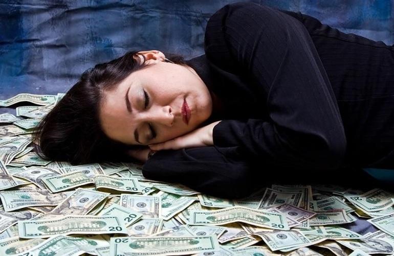 Вдеть во сне как покойник дает деньги