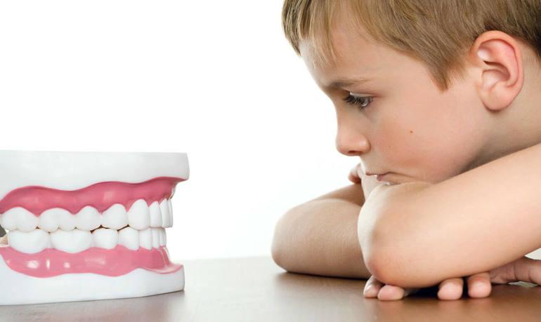 Как растолковать сон про зубы