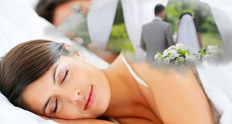 В остальных случаях будет интересно узнать, к чему снится выходить замуж, особенно если сновидица уже состоит в браке.