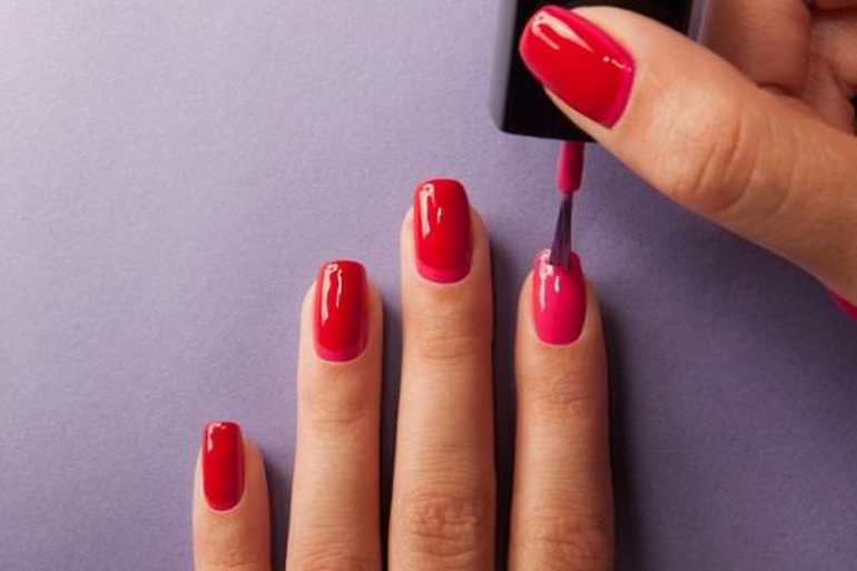 Сонник красить ногти