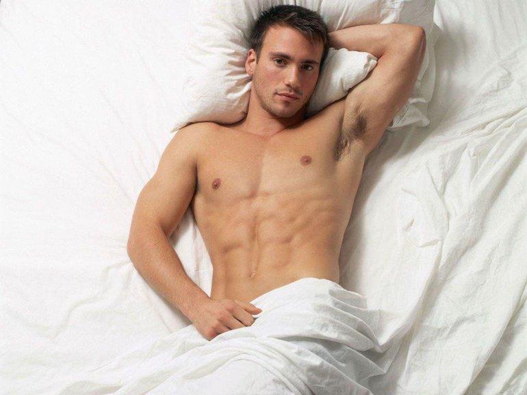 К чему снится голый мужчина