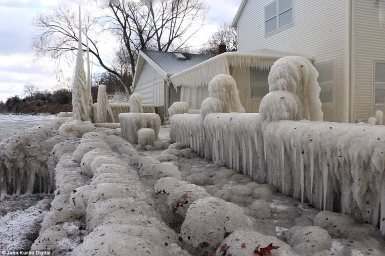 Сонник дом во льду