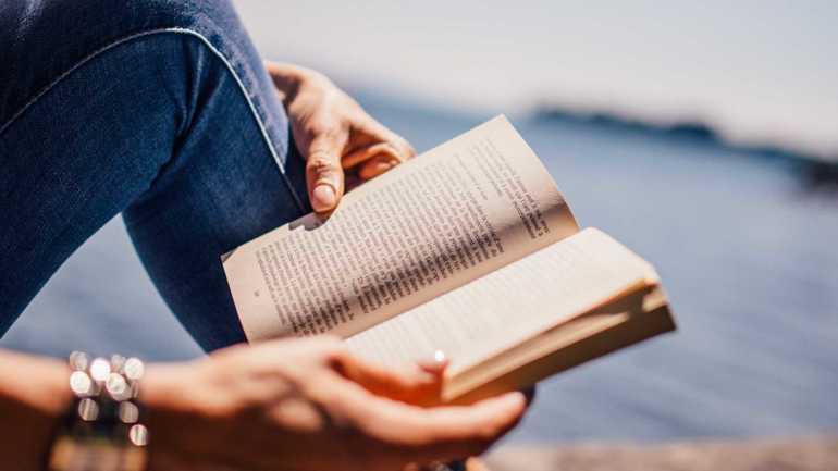 К чему снится читать, листать или покупать книги