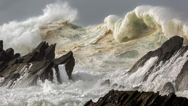 Видеть во сне бушующие волны