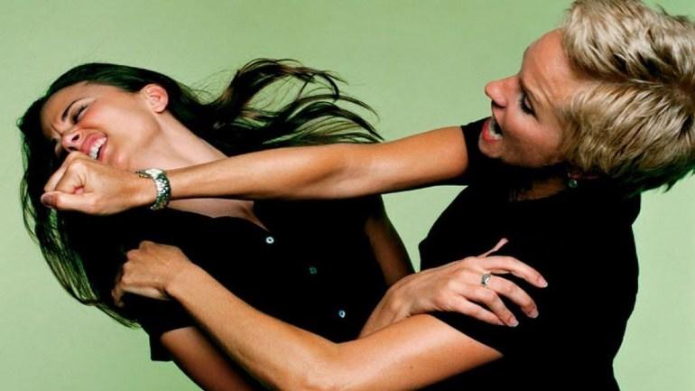 Сонник драться с женщиной