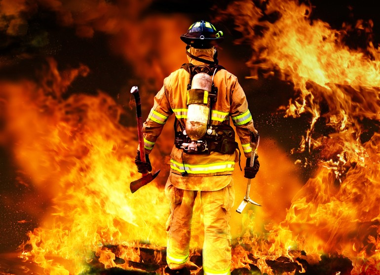 Тушить пожар