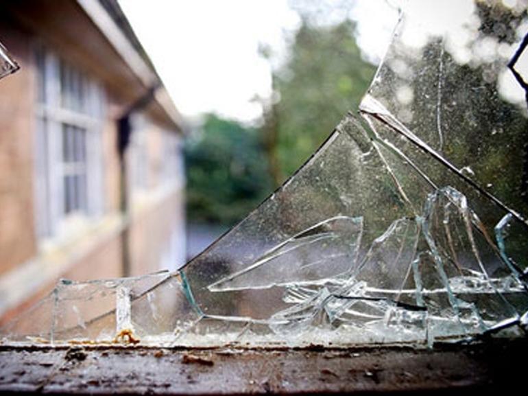 Разбитое окно сонник