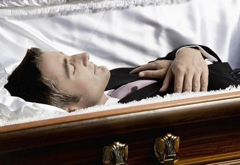 Её живой в реальности муж скончался,