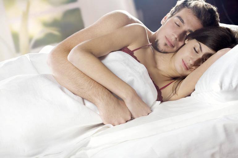 К чему снится обниматься с мужчиной