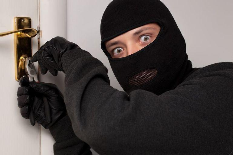 К чему снится ограбление квартиры