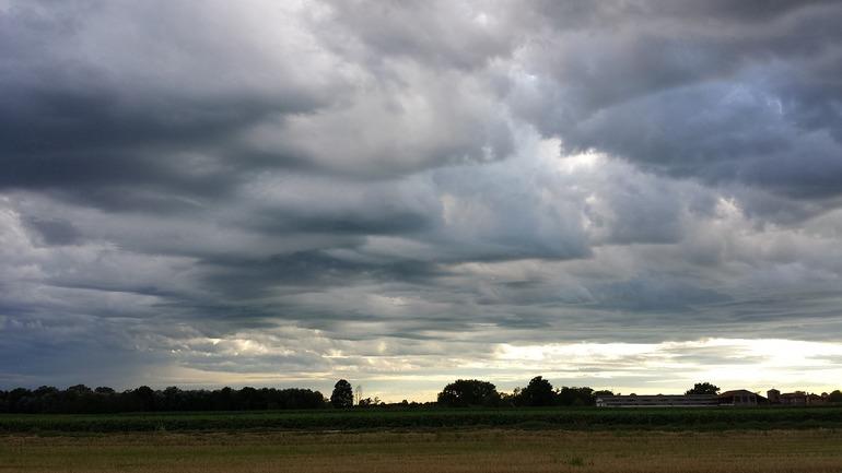 Небо, полностью затянутое облаками