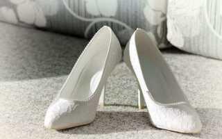 Видеть белые туфли во сне: толкование по сонникам