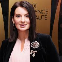 В ответ на критику телезрителей, Екатерина Стриженова рассказала о том, как ей удаётся держать себя в форме, а также поделилась секретами семейного счастья.