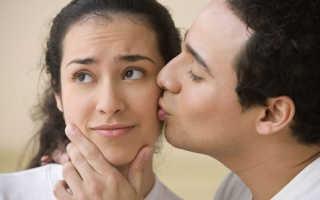 Как понять, к чему снится поцелуй с другом: хороший ли сон