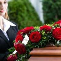 К чему снятся похороны родных и близких: трактовка снов о смерти