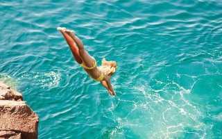 Нырять в воду: что это означает по соннику