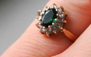 К чему снится кольцо с камнем красного или зелёного цвета