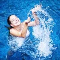 Купаться во сне в чистой воде: толкование по различным сонникам