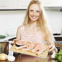 К чему женщине снится сон, в котором довелось готовить рыбу
