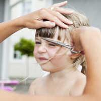 Что означает стричь ребенку волосы: толкование по соннику