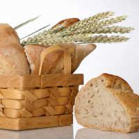 К чему снится хлеб мужчине и женщине: толкование по сонникам