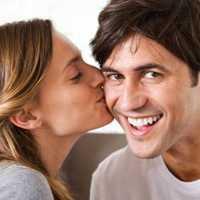 Поцелуй в щеку: толкование сонника для мужчин и женщин