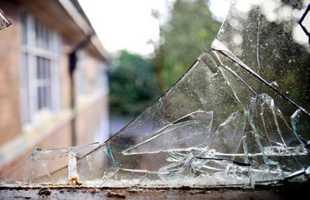 К чему снится видеть разбитое окно в доме
