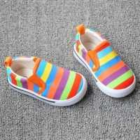 К чему снится детская обувь, что сулят сандалии по соннику