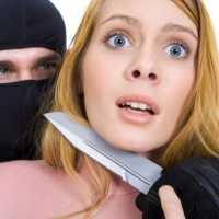 К чему снится нападение на мужчину или женщину по разным сонникам